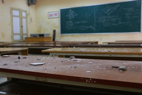 Bên trong ngôi trường học sinh phải đội mũ bảo hiểm ngồi học - Ảnh 5.