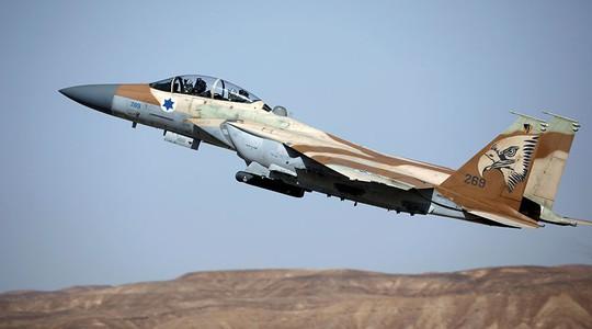 Chiến đấu cơ Israel tấn công xe tăng Syria - Ảnh 1.