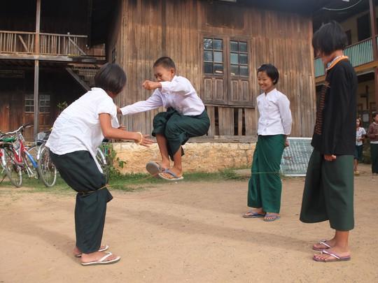 Myanmar: Đến, soi và mỉm cười nhẹ nhõm - Ảnh 6.