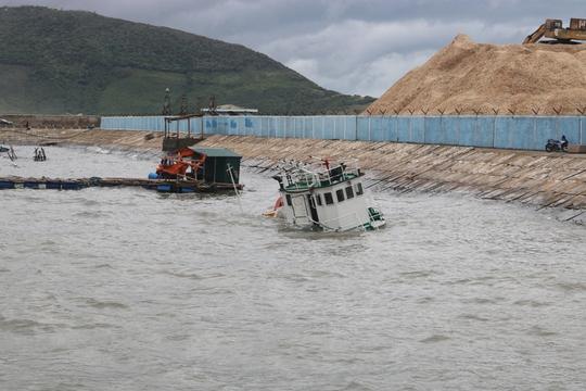 Bão số 2: Tan hoang ở cảng Hòn La sau bão đi qua - Ảnh 5.