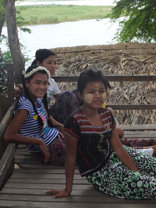 Myanmar: Đến, soi và mỉm cười nhẹ nhõm - Ảnh 7.