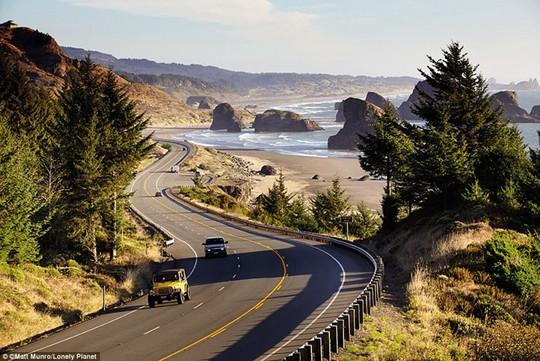 Du ngoạn dọc theo những quãng đường đẹp nhất thế giới - Ảnh 7.