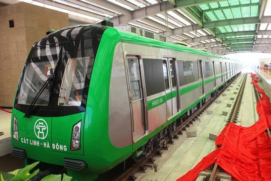 Háo hức mục sở thị tàu đường sắt Cát Linh - Hà Đông - Ảnh 6.