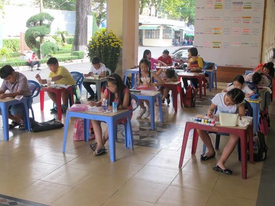 Con CNVC-LĐ tham gia các lớp vẽ của Cung Văn hóa Lao động TP HCM tổ chức