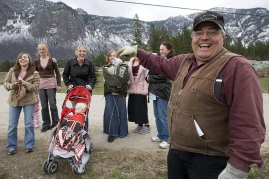 Canada: Bị kết tội vì cưới… 25 vợ - Ảnh 1.