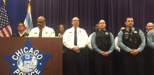 Cảnh sát TP Chicago tại cuộc họp báo về vụ việc hôm 2-4. Ảnh: WBEZ