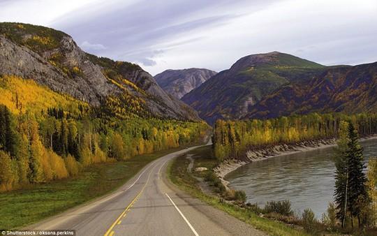 Du ngoạn dọc theo những quãng đường đẹp nhất thế giới - Ảnh 9.