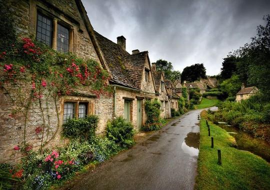 Những ngôi làng đẹp như trong chuyện cổ tích - Ảnh 9.