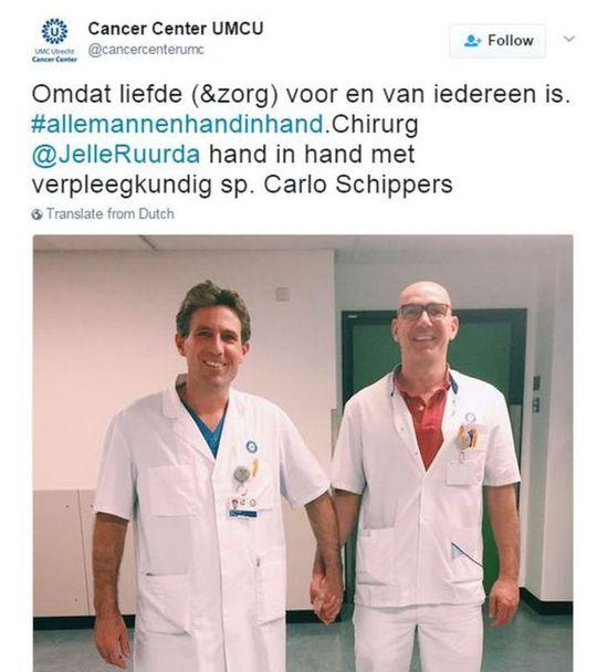 Hai nhân viên y tế tham gia trào lưu, nói rằng: Bởi vì mọi người đều có quyền được yêu thương (và chăm sóc). Ảnh: BBC
