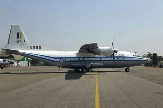 Máy bay quân sự Myanmar chở 120 người rơi ngoài biển - Ảnh 1.