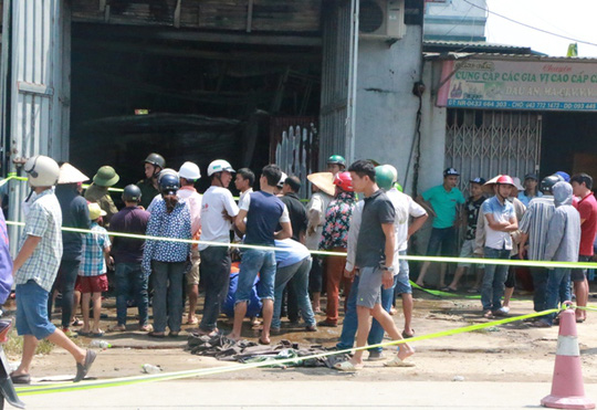 Cháy xưởng bánh kẹo ở Hà Nội, 8 người tử vong - Ảnh 6.