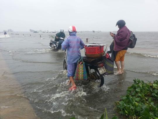 Thừa Thiên - Huế: Lũ trên sông Bồ sẽ vượt đỉnh lịch sử năm 1999 - Ảnh 13.