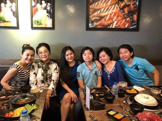 Sau bạo bệnh, NS Xuân Yến họp mặt gia tộc - Ảnh 9.
