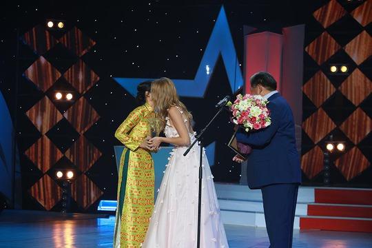 Phim của Hồng Ánh lại đoạt giải quốc tế - Ảnh 4.