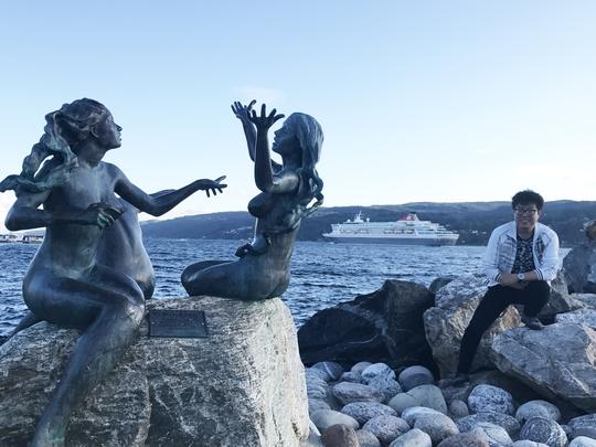 Đến Na Uy, ghé thăm 3 nàng tiên cá - Ảnh 1.