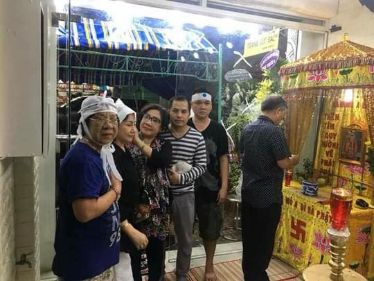Thọ tang mẹ, nghệ sĩ Kiều Tiên bật mí chuyện gia đình