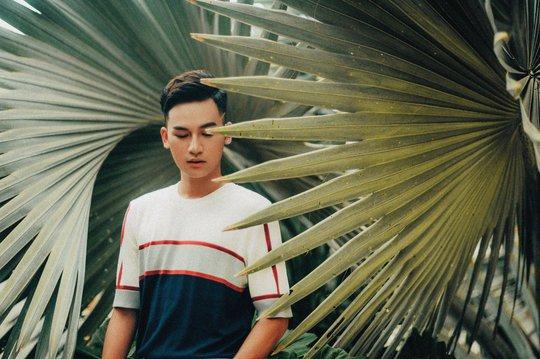 Ali Hoàng Dương đốn tim fan với Theo anh - Ảnh 5.