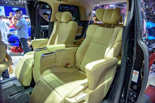 Toyota Alphard - chuyên cơ mặt đất vừa ra mắt có gì? - Ảnh 11.