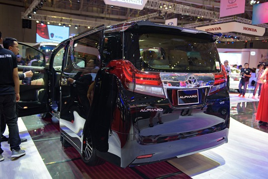 Toyota Alphard - chuyên cơ mặt đất vừa ra mắt có gì? - Ảnh 6.
