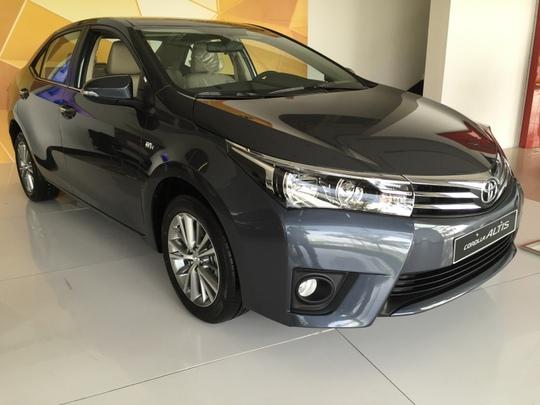 Toyota tiếp tục đại hạ giá  xe lần 2 trong tháng - Ảnh 1.