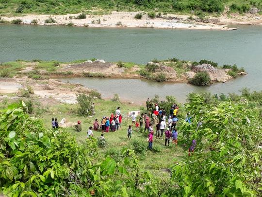Phát hiện thi thể người phụ nữ trần truồng trôi sông Đakrông