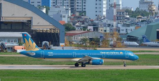 Hạ cánh khẩn cấp, Vietnam Airlines cứu mạng 2 hành khách - Ảnh 1.