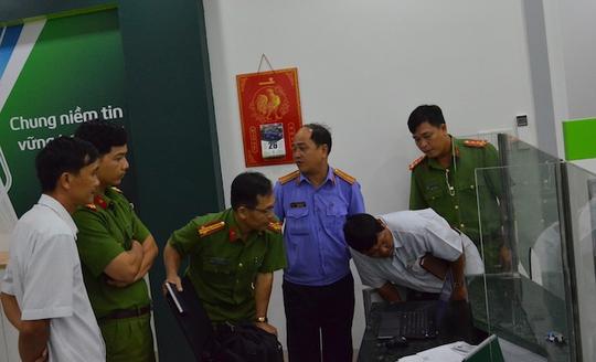 Vụ cướp ngân hàng ở Trà Vinh: Tên cướp có dị tật ở chân - ảnh 1