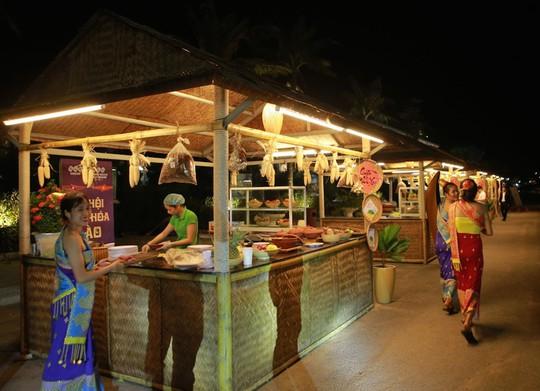Lễ hội văn hóa Lào tại FLC Sầm Sơn thu hút 2.000 khách - Ảnh 4.