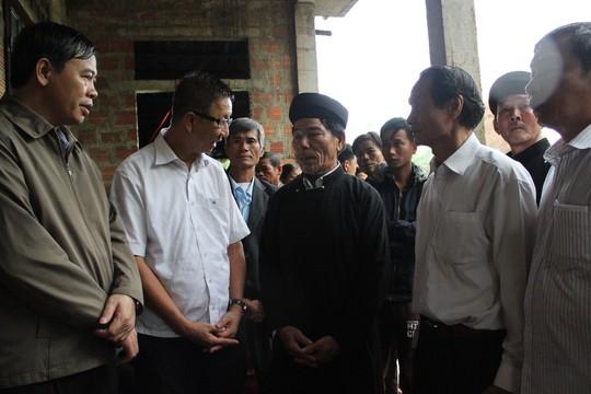 Đoàn công tác TP HCM hỗ trợ 3 tỉ đồng cho 3 tỉnh miền Trung - Ảnh 5.