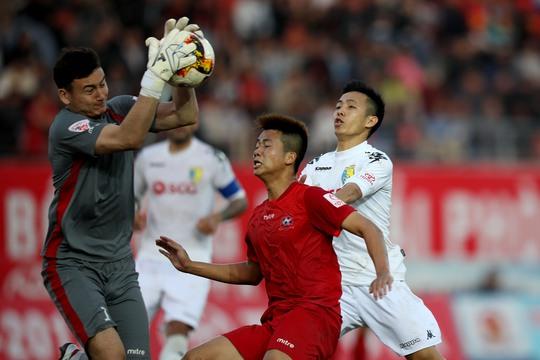 V-League đá 3 trận, nghỉ 2 tháng - Ảnh 1.