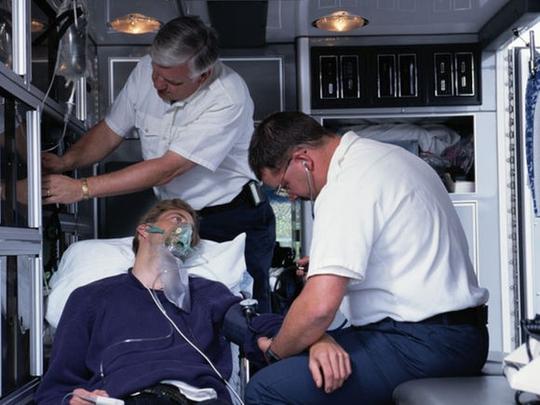 Sau nhiễm trùng hô hấp, nguy cơ đau tim tăng - Ảnh 1.