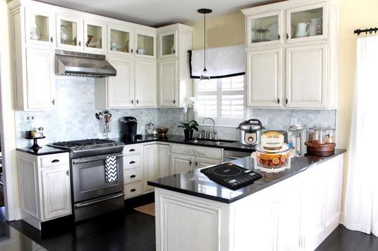 Cách hóa giải những lỗi phong thủy thường gặp trong nhà bếp - Ảnh 1.