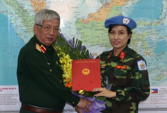 Nữ sĩ quan Việt Nam đầu tiên đi gìn giữ hòa bình Liên Hợp Quốc - Ảnh 1.
