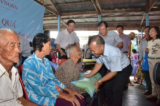 Cuộc sống cơ cực của Việt kiều tại Biển Hồ - ảnh 6