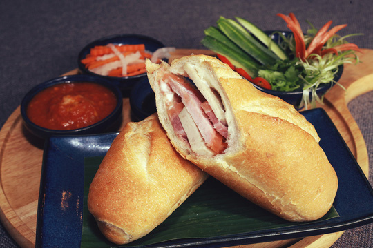 Món mới tháng 12 từ khách sạn Rex: Khám phá ẩm thực Sài Gòn - Ảnh 2.