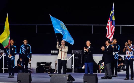 Lễ nhận cờ đăng cai đơn giản của Philippines - Ảnh 1.