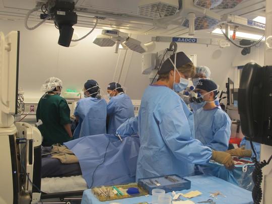 Soi nội thất bệnh viện bay hiện đại số 1 thế giới - Ảnh 25.