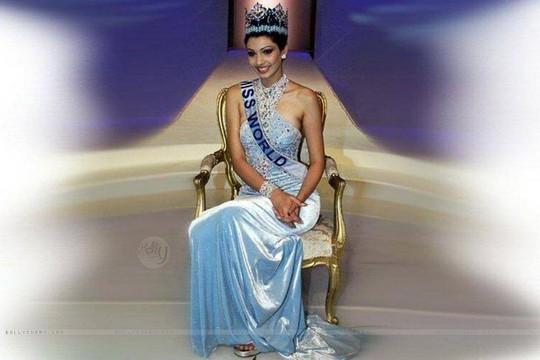 Ấn Độ so kè với Venezuela kỷ lục nhiều Hoa hậu Thế giới  - Ảnh 4.