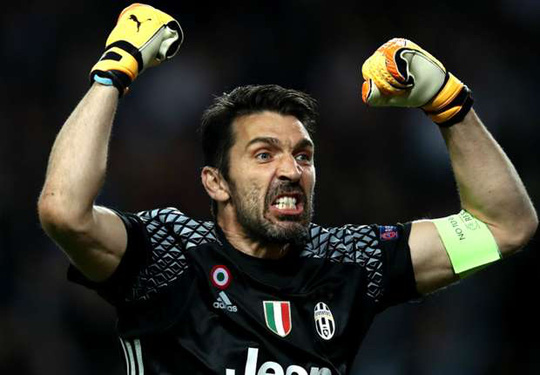 Thủ môn Buffon giúp Juventus lập kỷ lục mới tại Champions League