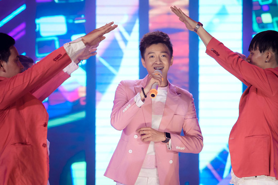 Đàm Vĩnh Hưng, Minh Hằng, Ngô Kiến Huy đốt cháy live show 9 Mai Vàng kết nối - Ảnh 10.