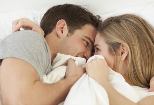 Nam giới nghiện phim sex coi chừng bị hố! - Ảnh 1.