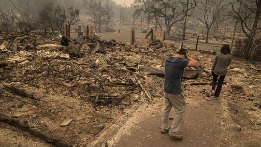Dân California kể về bão lửa rợn người - Ảnh 1.