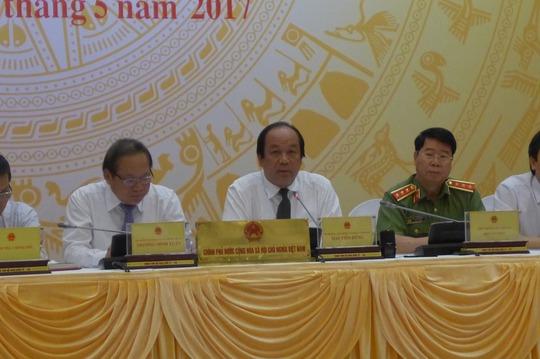 Bộ trưởng - Chủ nhiệm Văn phòng Chính phủ chủ trì buổi họp báo Chính phủ vào ngày 4-5 Ảnh: THẾ PHƯƠNG