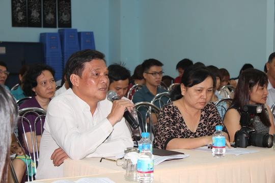 Cán bộ Công đoàn cơ sở góp ý tại buổi tọa đàm