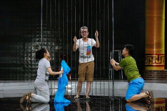 Việt Hương cắt đứt tình chị em với Đại Nghĩa tại Làng Hài Mở Hội - Ảnh 2.