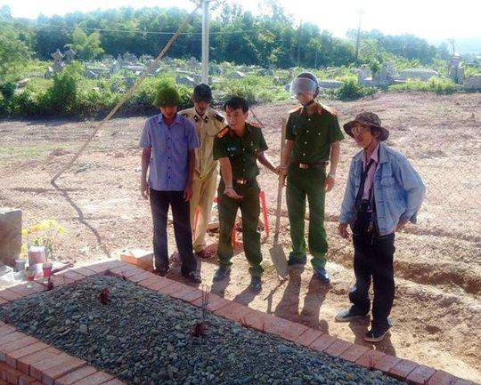 Công an TP Huế lên tiếng về việc san ủi mộ vợ vua Tự Đức - Ảnh 2.