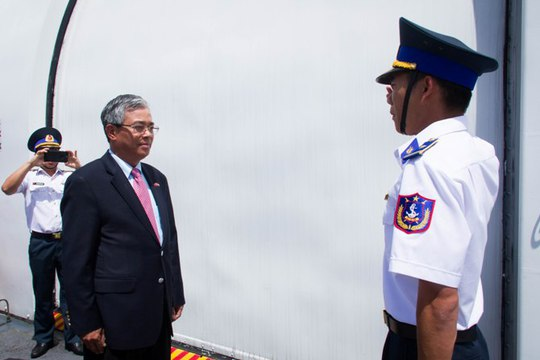 Mỹ bàn giao tàu Cảnh sát biển cỡ lớn cho Việt Nam - Ảnh 1.