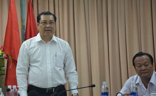 Chủ tịch Huỳnh Đức Thơ thưởng nóng cho lực lượng công an - Ảnh 1.