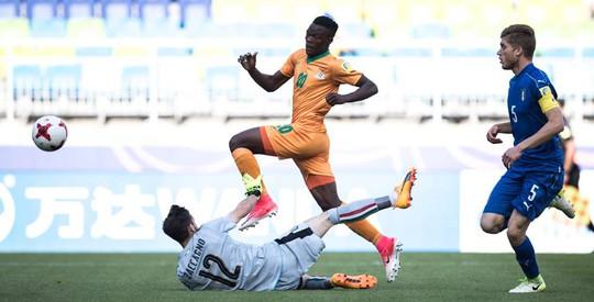 U20 Ý mất người vẫn ngược dòng hạ Zambia - Ảnh 1.