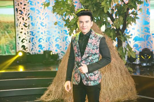 Ngắm bộ sưu tập áo dài tuyệt đẹp mang tên Cô Ba Sài Gòn của NTK Minh Châu - Ảnh 5.